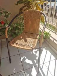 2 Cadeiras de aço com palha sintética