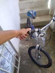 Bicicleta Cross em ótimo estado