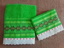 toalhas de banho e rosto bordadas a mão conjunto 02 peças