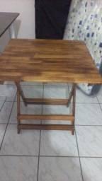 1 Mesa de madeira + 4 cadeiras
