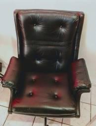 Cadeira super confortável e muito conservada!