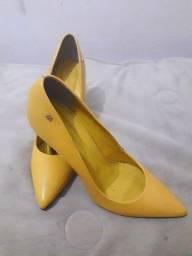 Sapatos salto alto