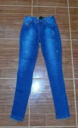 Vendo calça comprida jeans  Tamanho 40