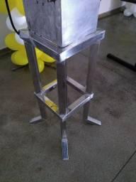 Metalúrgica serralheria solda e montagens portões e grades e varal retratil