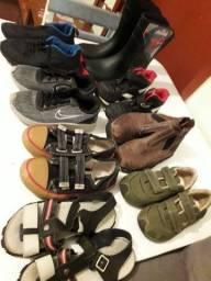 Calçados para meninos .  100 reais