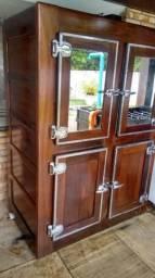 Geladeira de madeira socic anos 50