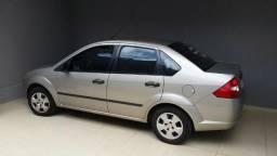 Fiesta Sedan 1.0 Personnalite 05/05 - 2005