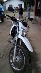 Vende-se moto Bros - 2016