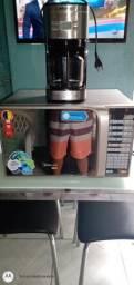 Microondas e cafeteira eletrica