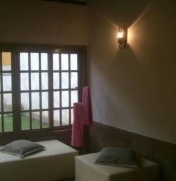 Casa com 05 quartos em Correas , Petrópolis RJ, fins comerciais e residenciais