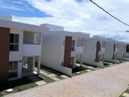 Casa 4/4 - Buraquinho - Suítes - Varanda - Melhor da Região!
