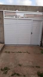 Vendo portão  alumínio  branco 2.200 com motor