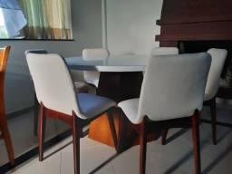 Mesa redonda tampo laqueado+ 6 cadeiras bruna