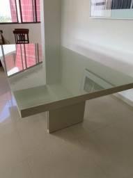 Mesa de jantar em laca