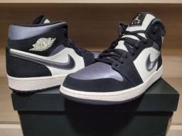 Air Jordan 1 Mid Satin Grey Toe