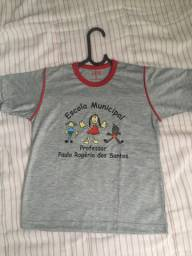 Camisa escolar ...TAM:8(20 reais as duas )