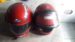 Vendo 2 capacete por 60
