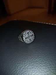 Lindo anel da cruz de São Bento em aço novo