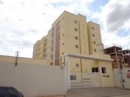 Apartamento com 2 dormitórios para alugar, 55 m² por R$ 900,00 - Uruguai - Teresina/PI
