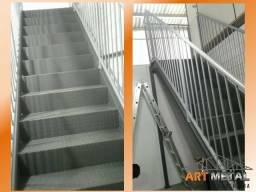Escada metalica com espelho