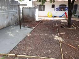 Serviço de pedreiro calçadas ,muros pequenos consertos