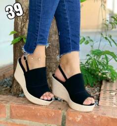 Sapatos novos lançamento