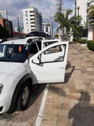 Renault Duster - branca - automático - único dono