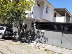 Casa 2quartos 2°andar jucutuquara local seguro