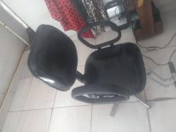 Vende se essa cadeira de barbeiro