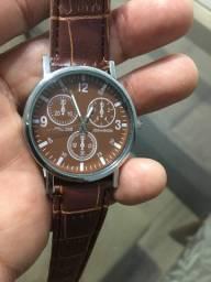 Relógio novo importado marrom