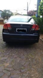 Honda Civic 2004.