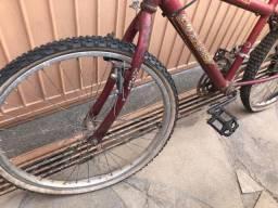 Bicicleta bike Conthey vermelha
