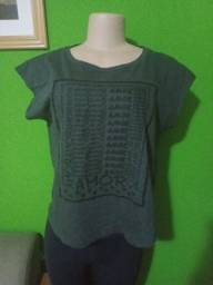 Blusa Camiseta - Tamanho P