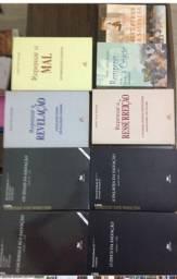 Coleção de livros teológicos