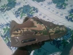 e6d050a8686 Tênis da Nike Air Max 90 camuflado
