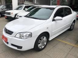 Gm Astra sedan 1.8 2003 - carro completo em perfeito estado de conservação - 2003
