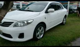 Um Toyota Corolla 13/13 - 2013