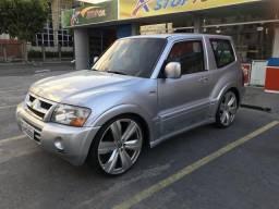 Pajero HPE Full 3.8 V6 Blindada - 2005