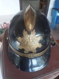 Antigo capacete de bombeiro