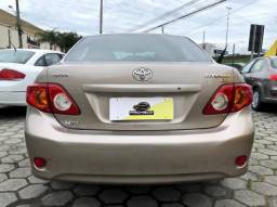 Toyota Corolla XLi 1.8/1.8 Flex 16V Aut. - Bege - 2011 - 2011