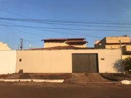 Aluga-se Casa Residencial 3 Quartos 1 suíte St. Alice Barbosa Próximo Campus UFG Samambaia