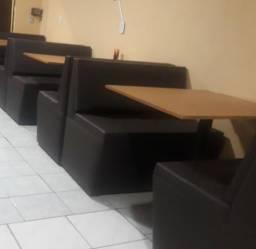 Vendo mesas madeiras com estofados