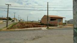 Terreno de esquina - Campo Largo - fte.ao Caic_ent.R$15.000,00