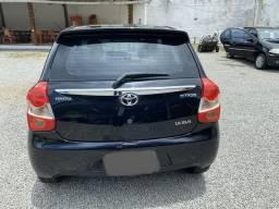 Toyota Etios XLS 1.5 Hatch - 2014