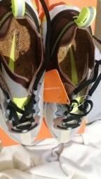 Tênis Nike Element React 87