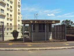 Alugo apartamento em Pirassununga-SP com 2 quartos -bairro do Rosário- R$300,00