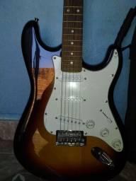 Vendo guitarra mais capa