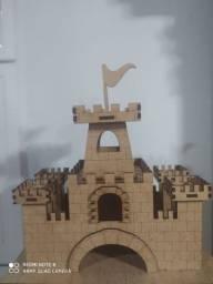Mini castelo em MDF cru