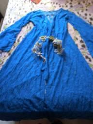 Dois vestidos novos e uma coroa