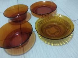 Tigelas grandes de vidro